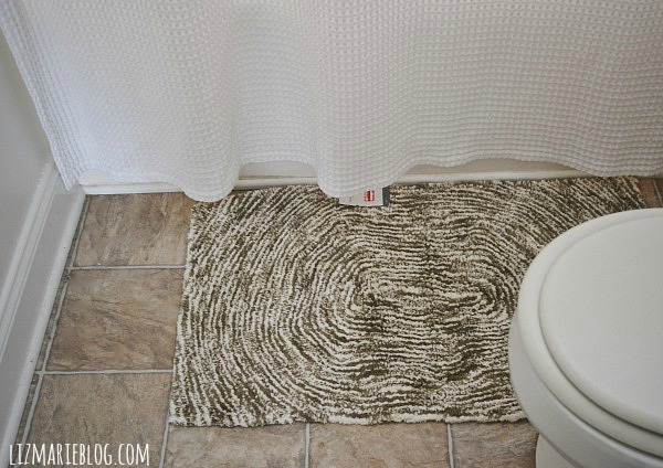 Target rug - option 1- Guest bathroom makeover at lizmarieblog.com