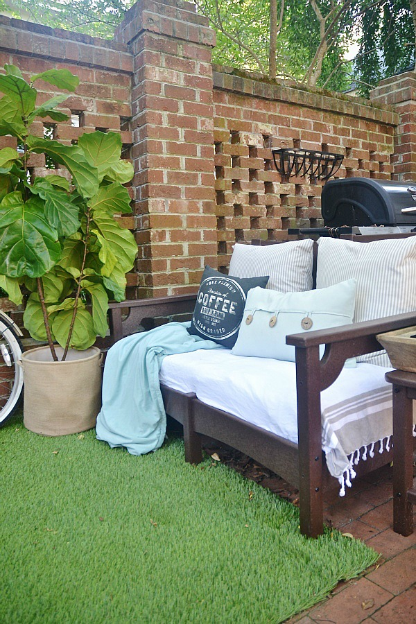 Summer Brick Patio DIY Seating Area - lizmarieblog.com