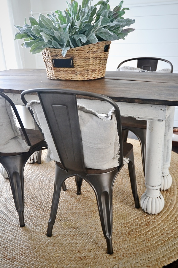 Attirant Rustic Metal U0026 Wood Dining Chairs With A Farmhouse Table.