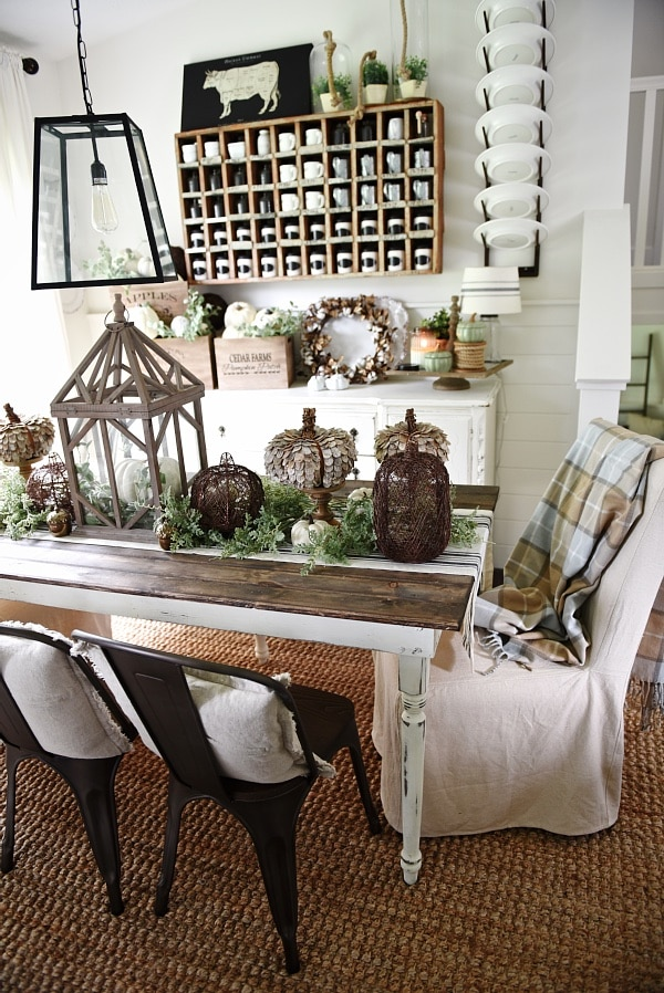 Great Lovely Neutral Fall decor Rustic cottage fall style