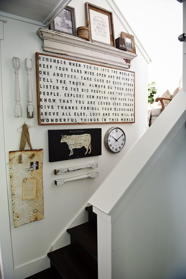 Chic Ways To Decorate Your Staircase Wall: Cottage Staircase Gallery Wall