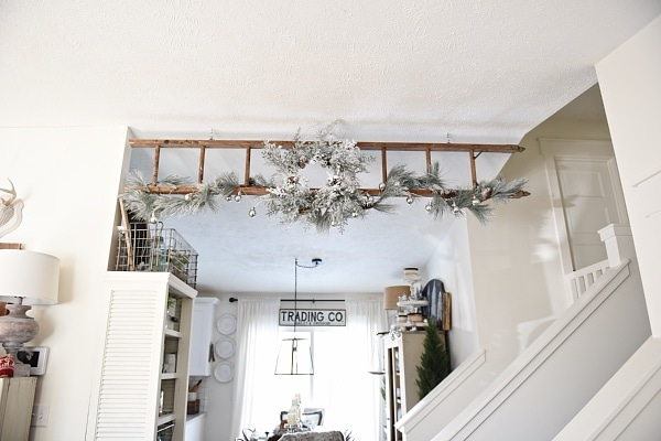 Neutral rustic Christmas decor