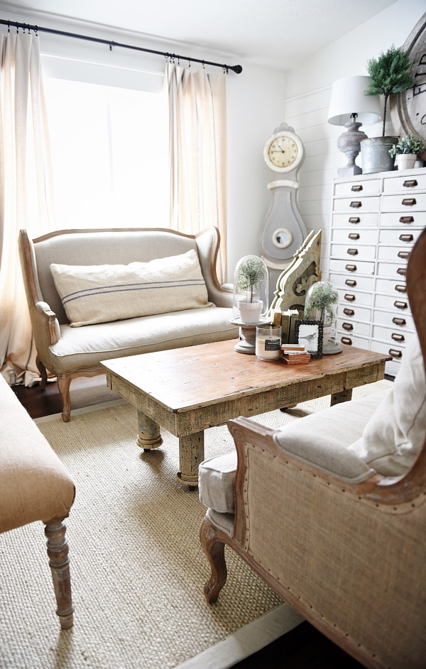 Best Upstairs Living Room Makeover Rustic Coffee Table