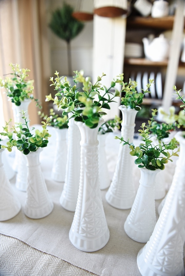 Simple spring decor - One look two different ways. See how to get this centerpiece look & the mantel look perfect for spring!