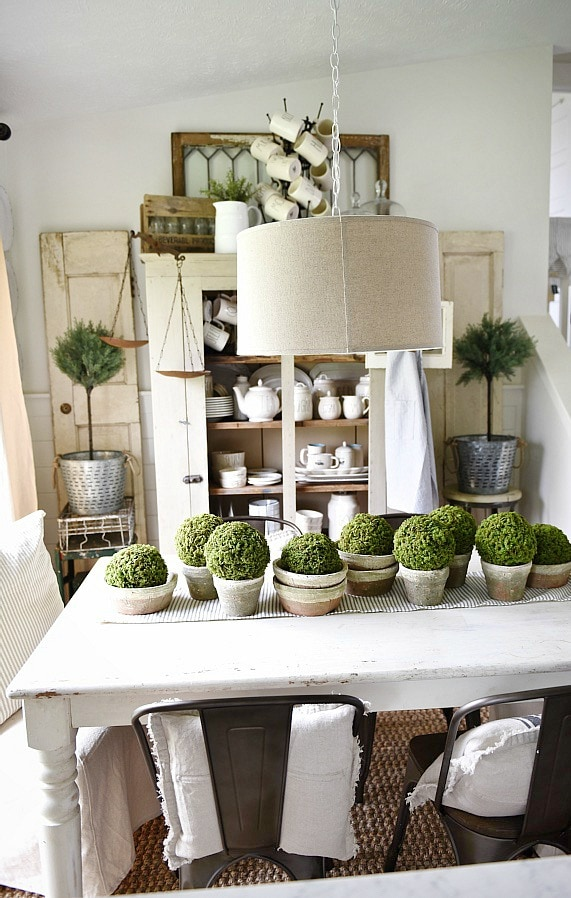 French Country Decorating Living Room Vignettes