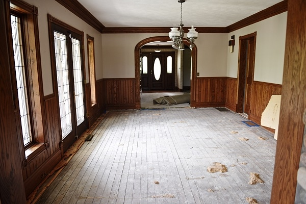 Its The Door There On Right Far End Of Dining Room Very Pretty But We Felt Sliding Barn Was Perfect For Entrance To