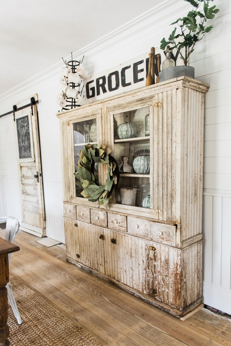 primitive dining room hutch liz marie blog. Black Bedroom Furniture Sets. Home Design Ideas