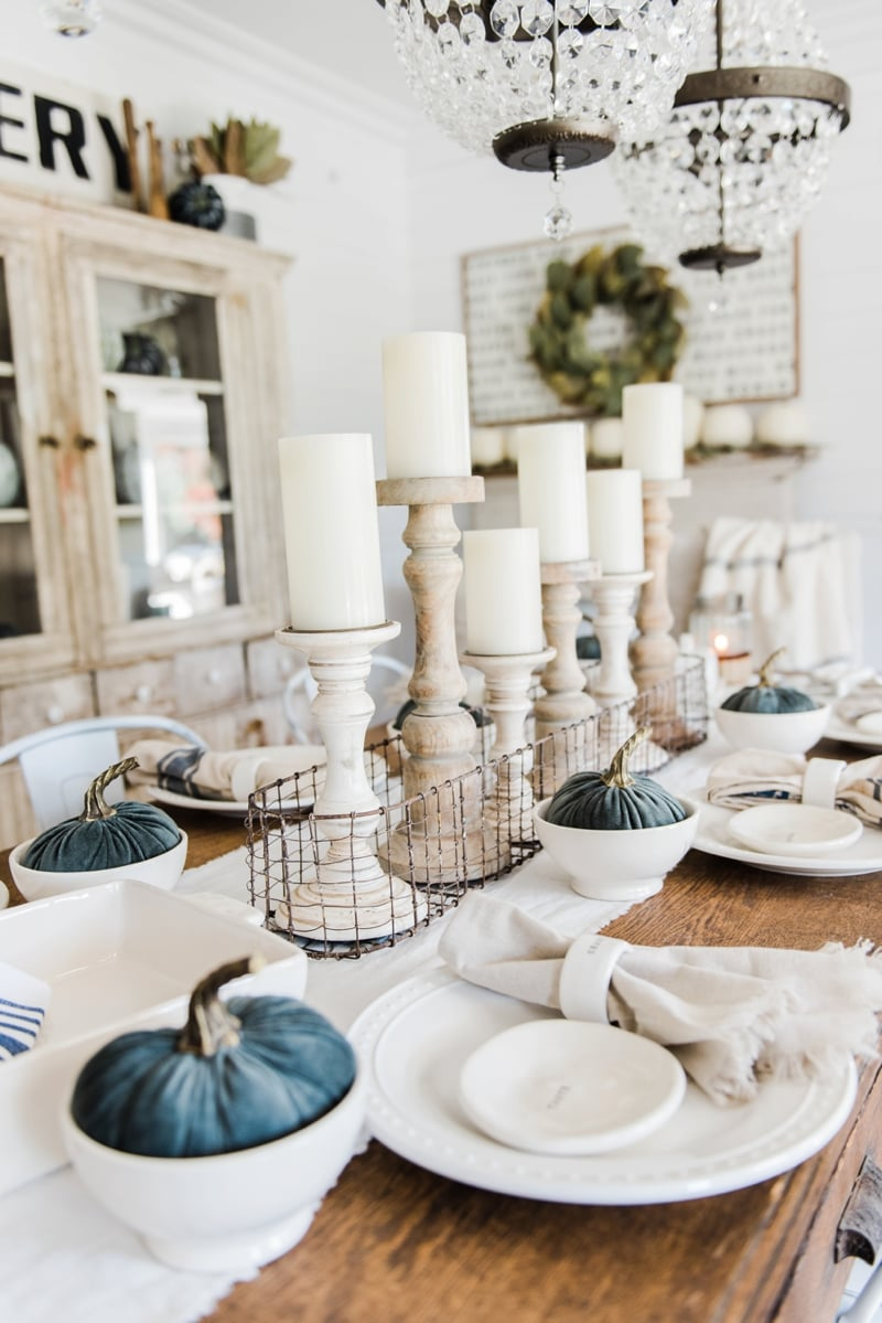 Simple  Neutral Fall Farmhouse Dining Room