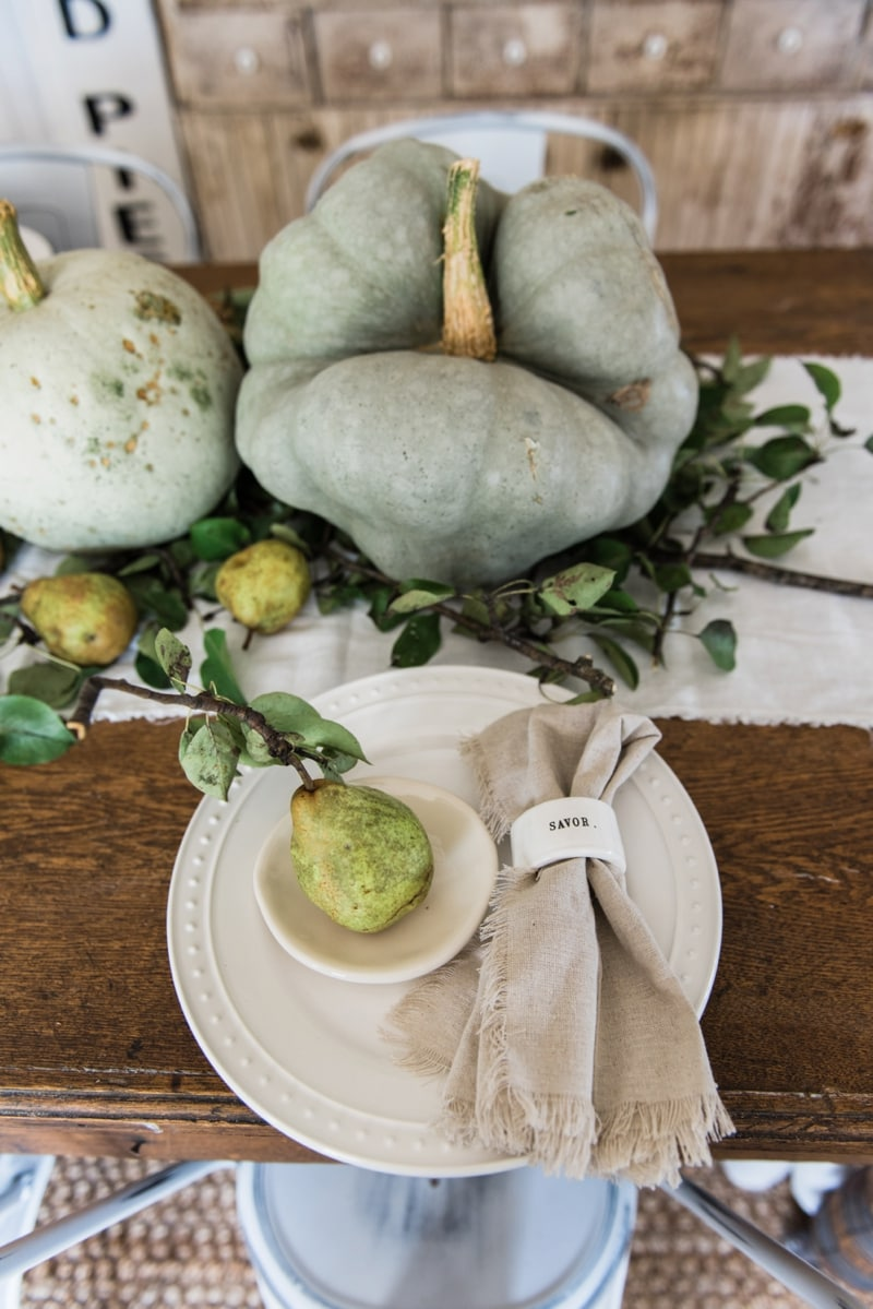 rustic-pumpkin-and-pear-fall-table-decor-by-liz-marie_0001