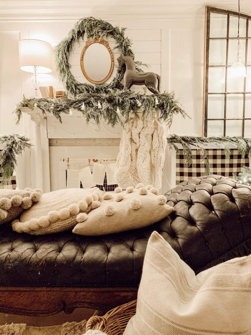 Cozy Farmhouse Christmas Decor