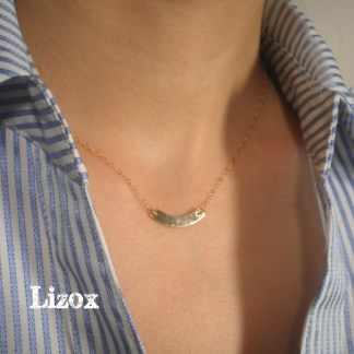 Curved Bar Necklace