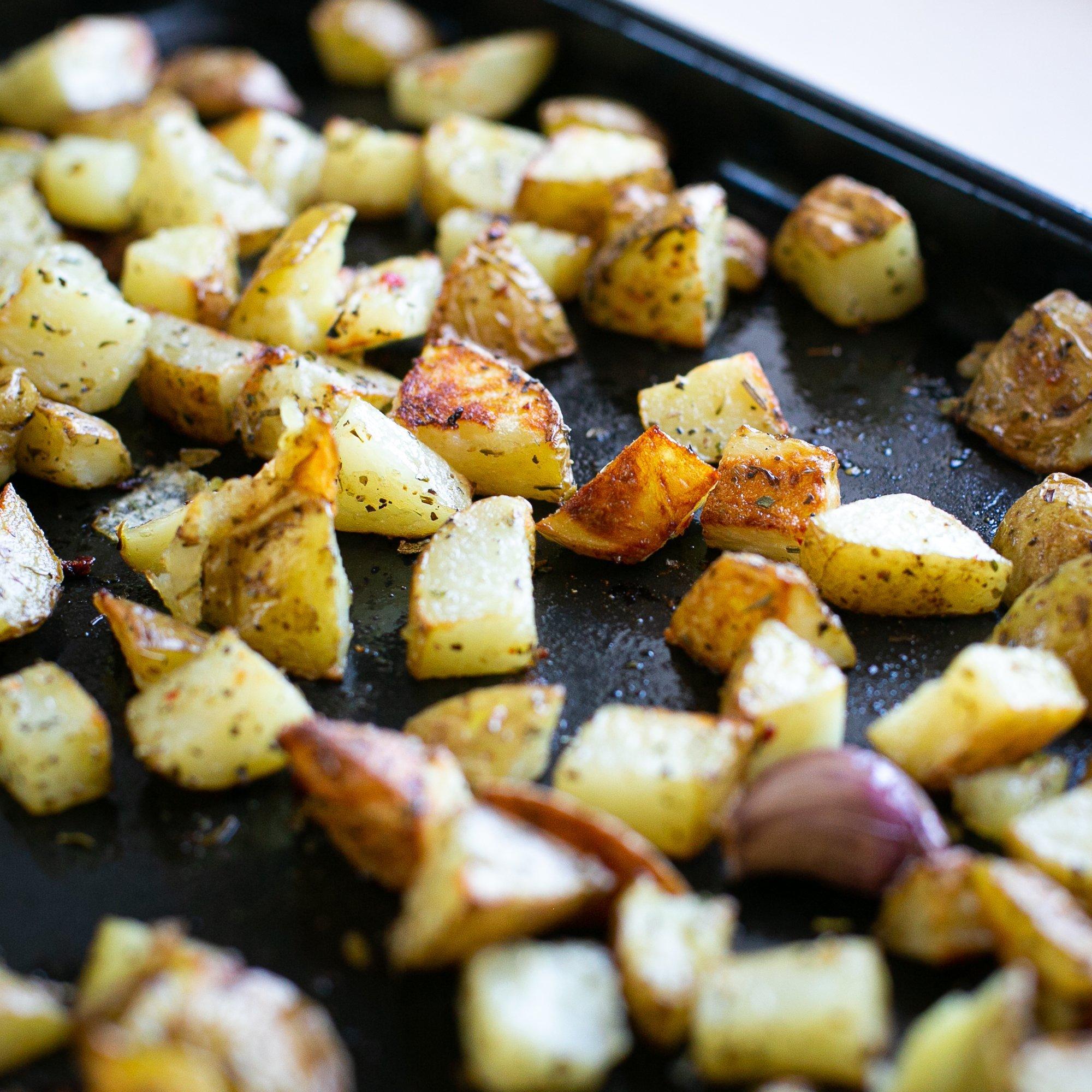 freshly cooked crispy homemade oven chips