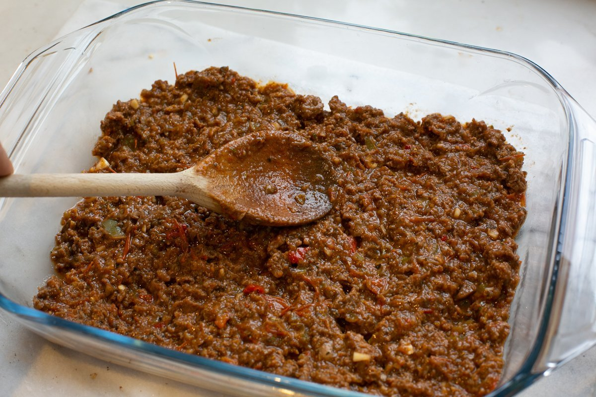 Meat layer in a dish for homemade lasagne