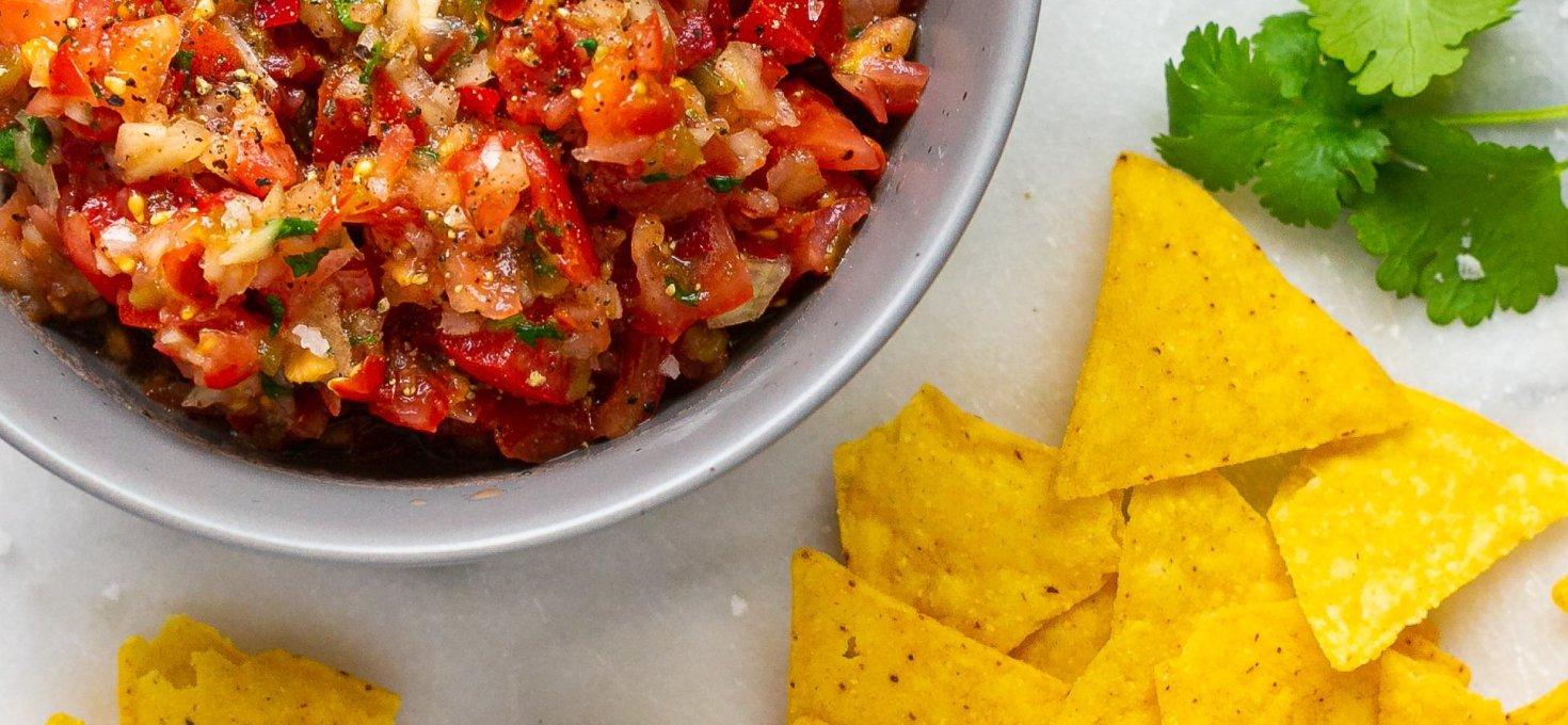 Homemade Spicy Tomato Salsa