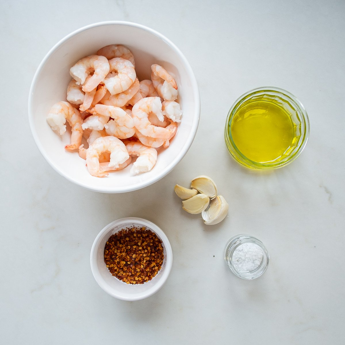 all the ingredients needed to make chilli garlic prawns