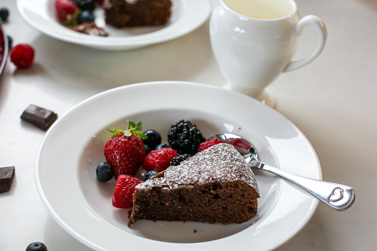 chocolate and amaretti cake served with fresh cream