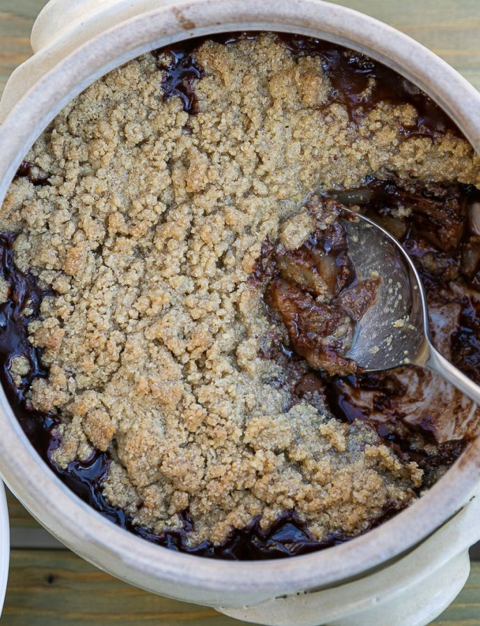 Oaty Pear and Chocolate Crumble