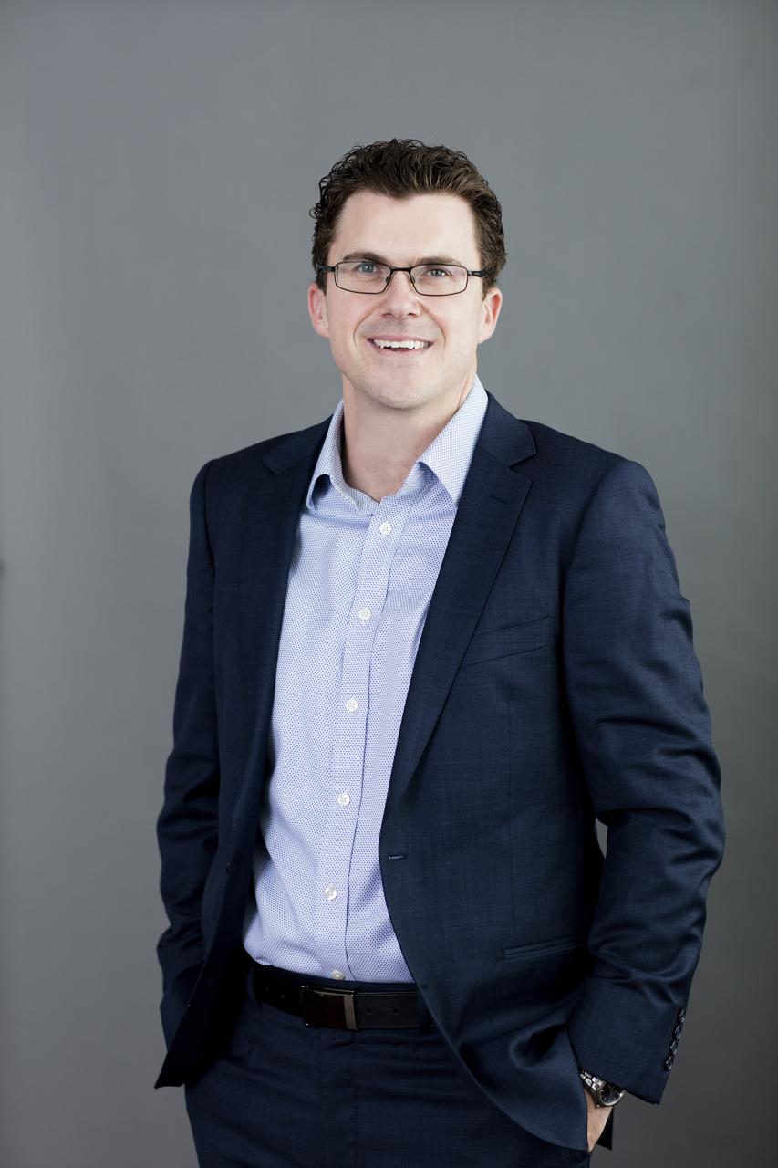 professional Melbourne Photographer LinkedIn headshot