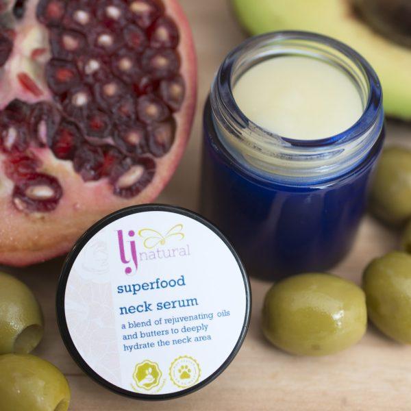 Superfood organic neck serum
