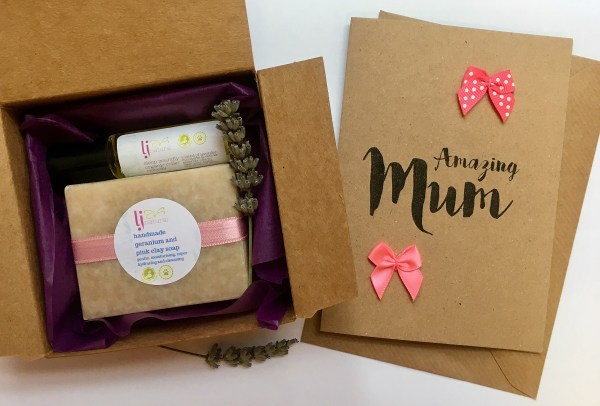 Mini Mother's Day Gift Box with card