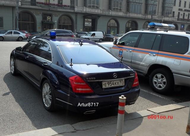 Автомобиль с номерами ФСБ - egru