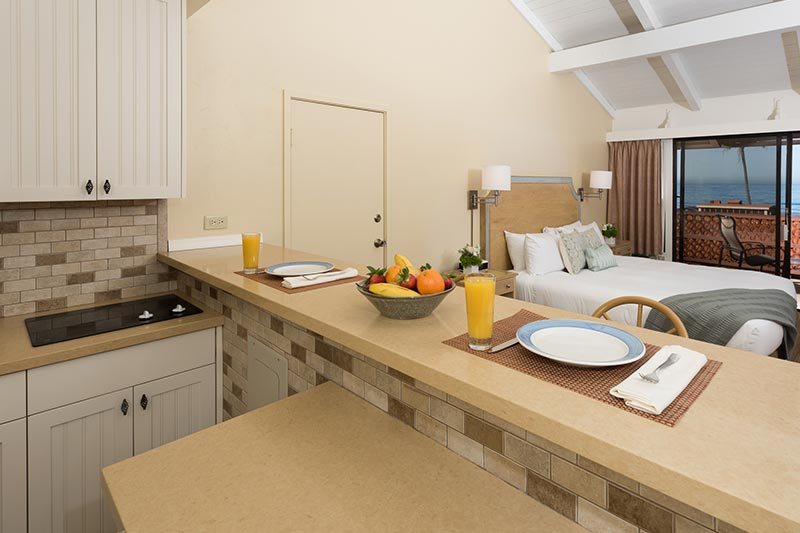 hotels with kitchens in san diego white drop leaf kitchen table beachfront la jolla suites rooms shores hotel garden patio kitchenette at california