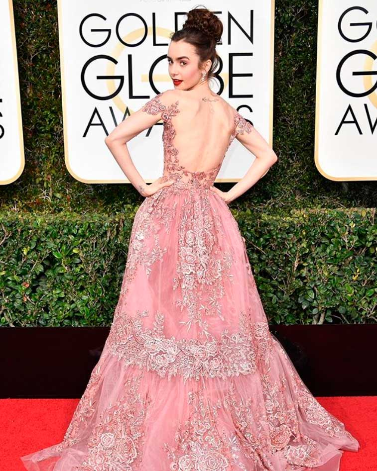 Lily Collins. Maravilloso outfit romántico