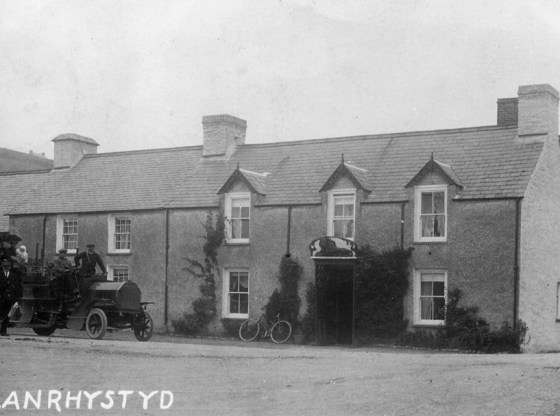 Early photo of Red Lion pub Llanrhystud, Ceredigion