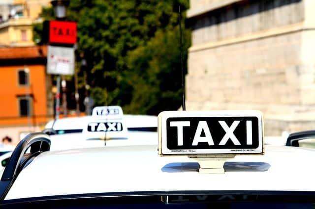 Ir de Fiumicino a Roma en taxi