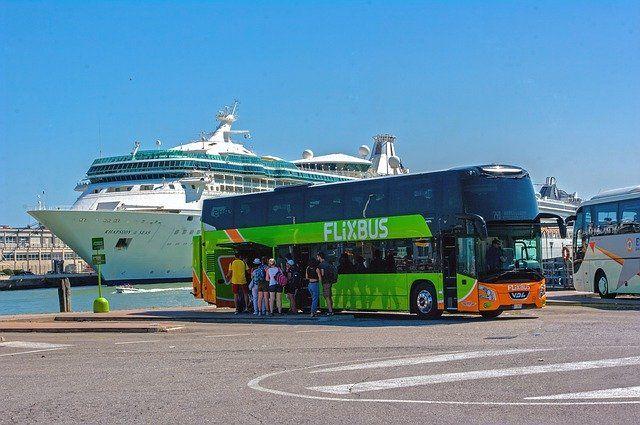 Como llegar a Como en autobús