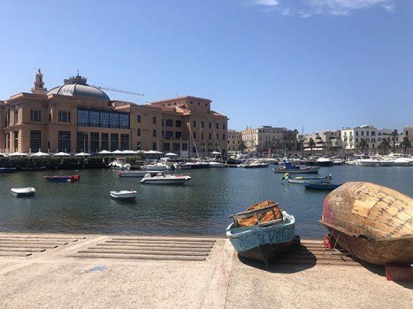 Que hacer en Bari: caminar por el paseo marítimo