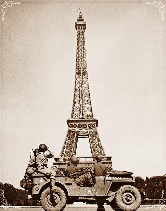 https://pixabay.com/illustrations/eiffel-tower-paris-france-war-1033301/