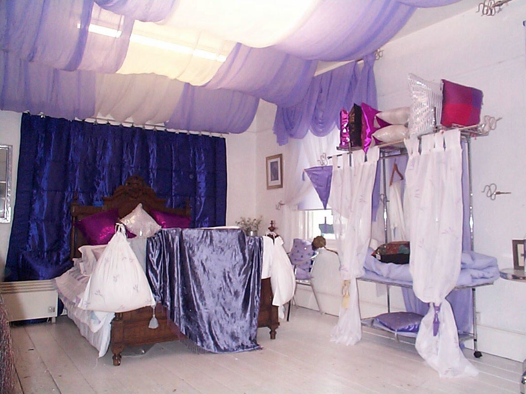 Showrooms At Linen Lace And Patchwork Bedspreads Interior Decor Ideas For Your Home Quilts