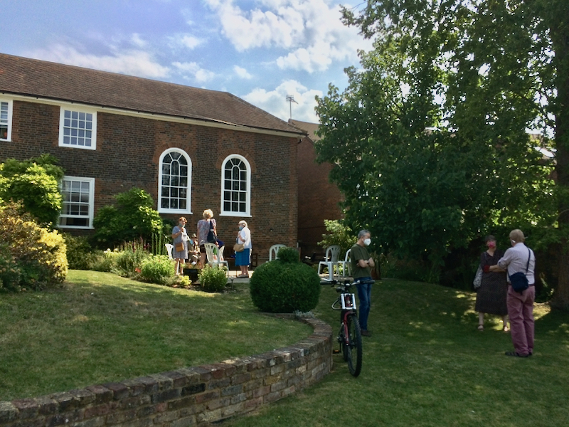 Quakers in the Garden at Hemel Hempstead meeting house