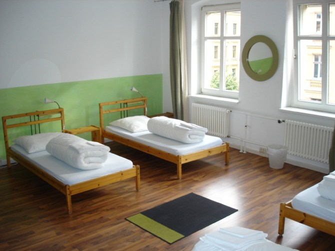 east seven Hostel