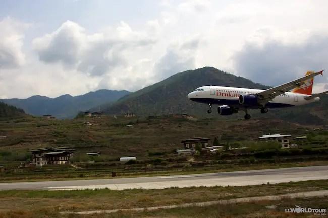 Drukair Landing