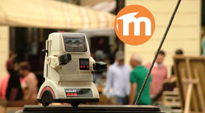 The Race Is On For The First Moodle Chatbot | La Carrera Hacia El Primer Chatbot De Moodle