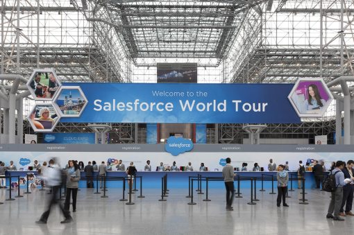 Stand Salon Salesforce World Tour Paris – EIT