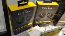 ה-Elite Sport הן האוזניה האלחוטית המלאה הראשונה של ג'ברה. זהו דגם פרימיום שעושה בערך הכל, עוזר לכם להכין תוכניות אימונים, ואפשר גם לצאת לריצה רק עם אוזניה אחת