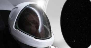 אילון מאסק חליפת חלל SpaceX