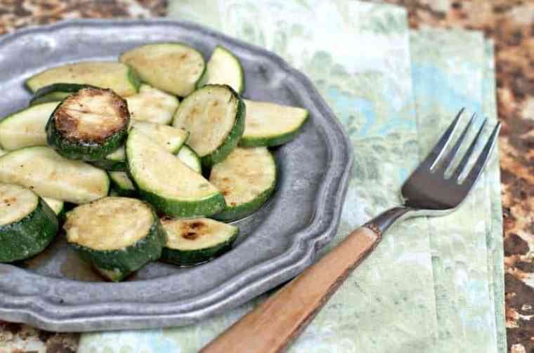 An image of how to cook zucchini on the stove plate from above