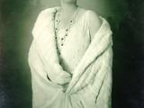 Kraljica Marija je druga ćerka rumunskog kralja Ferdinanda Hoencolerna (1856-1927) i rumunske kraljice Marije (1875-1938), princeze od Velike Britanije i Irske, sinovice engleskog kralja Edvarda VII i unuke kraljice Viktorije
