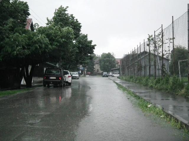 Zbog obilnih padavina, u petak nas čeka još teža situacija!