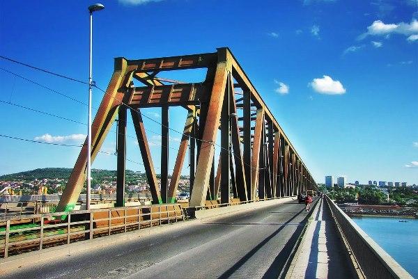 Pre 50 godina urađena poslednja ozbiljna rekonstrukcija Pančevačkog mosta - 2015