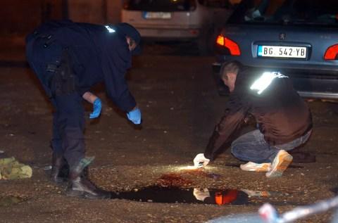 """Muškarac poginuo je u eksploziji bombe na parkingu restorana """"Bele zore"""" u Krnjači"""
