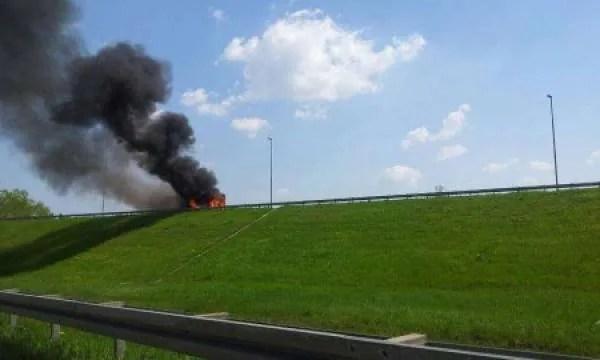 Zapalio se autobus na Pančevačkom putu