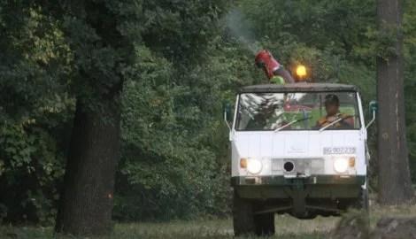 Zaprašivanje komaraca sa zemlje na levoj obali Beograda