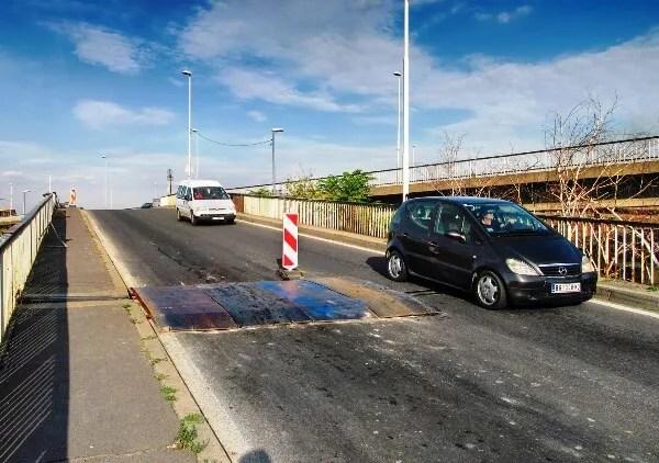 Ležeći policajac i dalje leži na Pančevačkom mostu - 28.01.2014