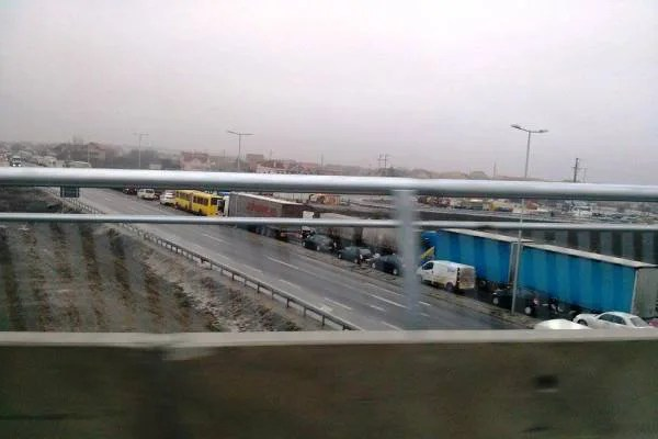 Totalni haos i kolaps na Zrenjaninskom putu zbog jutrošnjeg sudara - 2015
