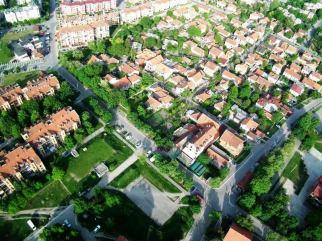 Nismo centar grada, ali imamo svoje centre grin emoticon Centar 1/2/3/4/5 :) — in Borca.
